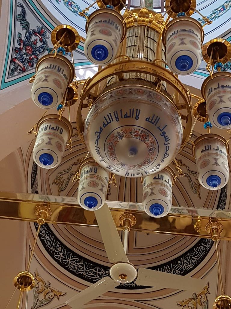 I love the lights in mosques